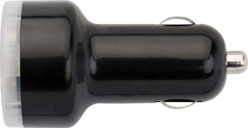 Biladapter i plast med två USB-uttag